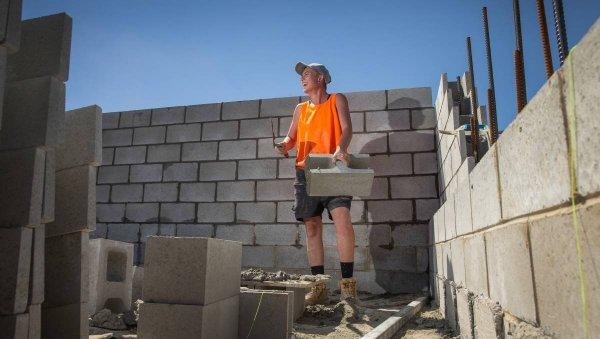 090620 bricklayer