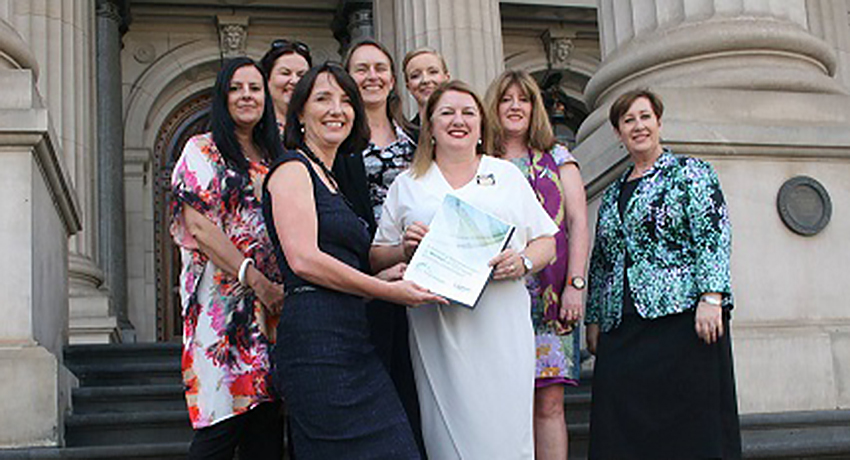 A seat at the Roundtable: Women in Victorian Local Government