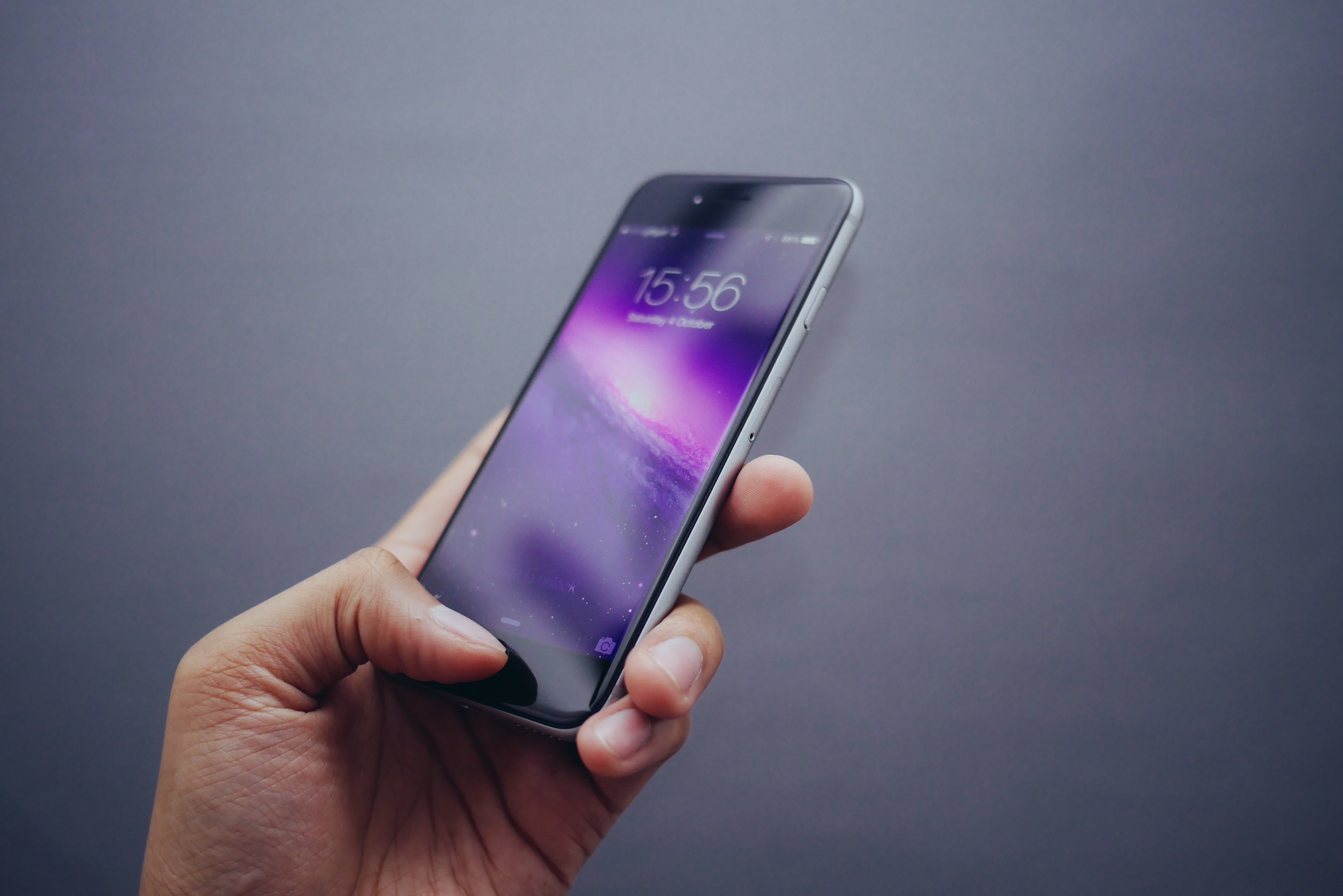 Smart Phone, Smart Women
